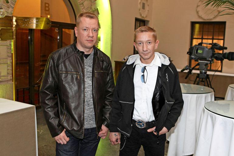 Simo ja pikkuveli Matti Silmu perustivat Yölinnun Porissa 1992. Nyt veljekset ratkovat rahariitojaan käräjillä. Kuva on vuodelta 2012, kun välit vielä olivat kunnossa.