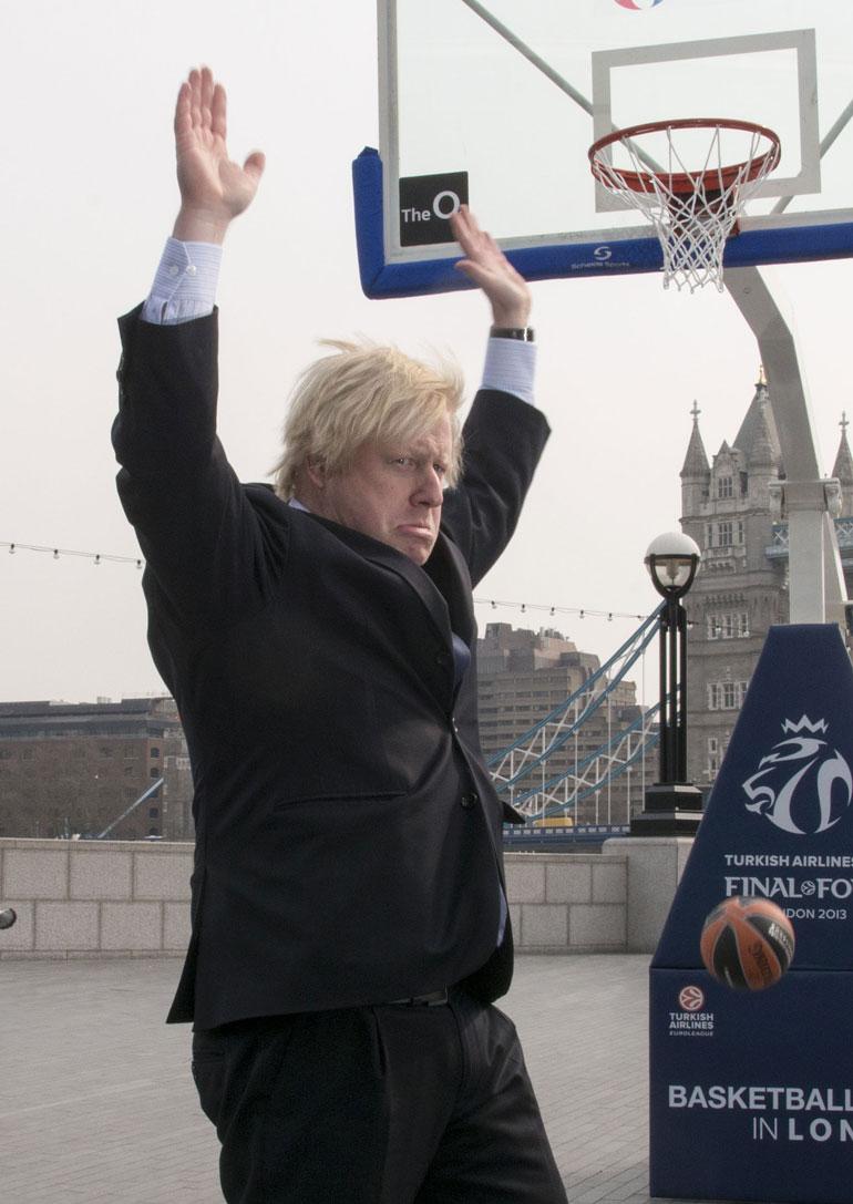Boris Johnson tunnetaan trumpmaisesta tukastaan.
