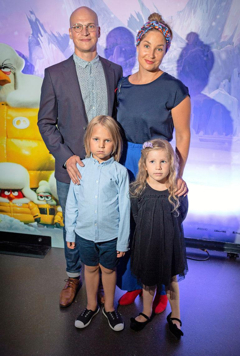 Rikulla ja Annikalla on kaksi lasta, Roope ja Hilma
