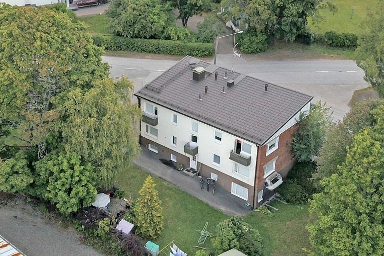 Andyn ja Angelan uusi koti Karkkilassa ilmasta kuvattuna.