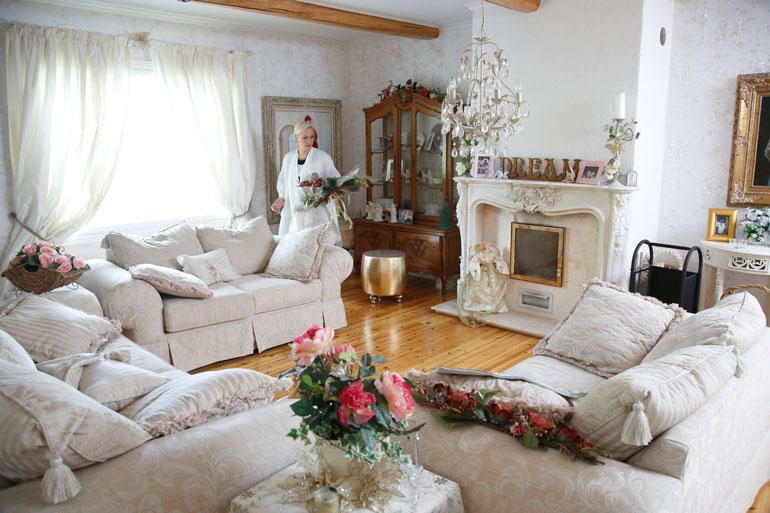 Sunneva on hakenut vaikutteita asuntonsa sisustukseen Ranskassa ja Yhdysvalloissa vietetyistä vuosista.