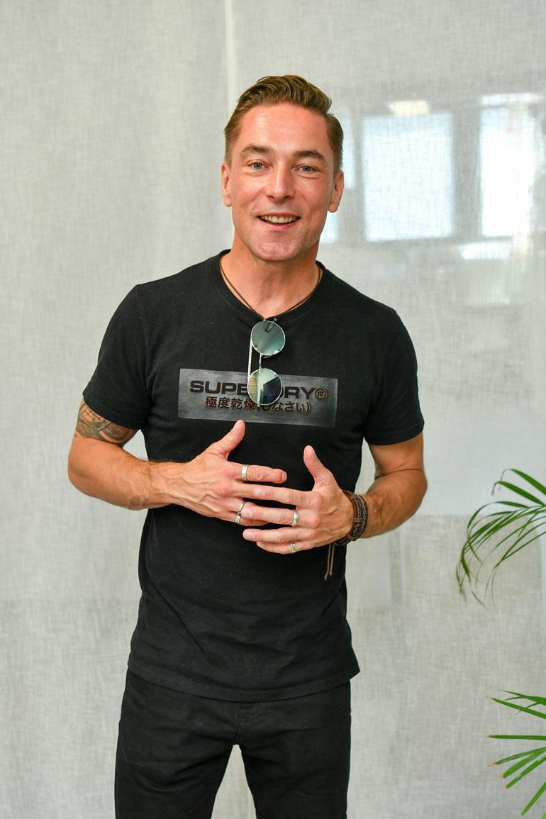  Sami oli Salkkareissa mukana jo sarjan alkaessa. Hän palasi samana vuonna 2014, jolloin Kerttu aloitti sarjassa.