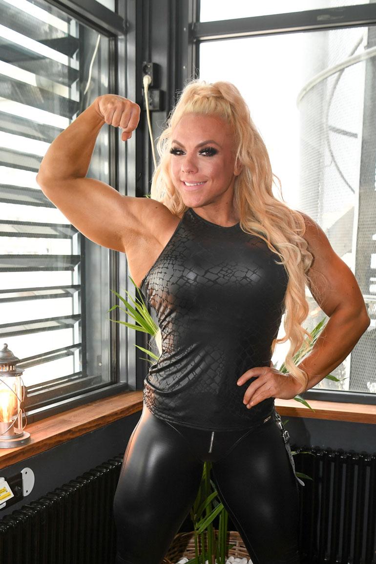 Minna Pajulahti ottaa osaa Miss Fitness Olympia -kilpailuun tällä viikolla. – Lähden tavoittelemaan totta kai voittoa, Minna kertoo. – On jo saavutus päästä osallistumaan maailman suurimpaan fitness- ja kehonrakennus- kisaan, Kike sanoo.