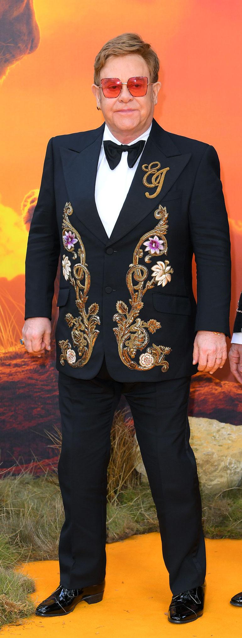 Monet julkkikset ovat Elton Johnin johdolla liittyneet herttuaparin puolustusjoukkoihin. Mukana ovat esimerkiksi George Clooney, Hillary Clinton, talkshow-emäntä Elle DeGeneres ja laulaja Pink.