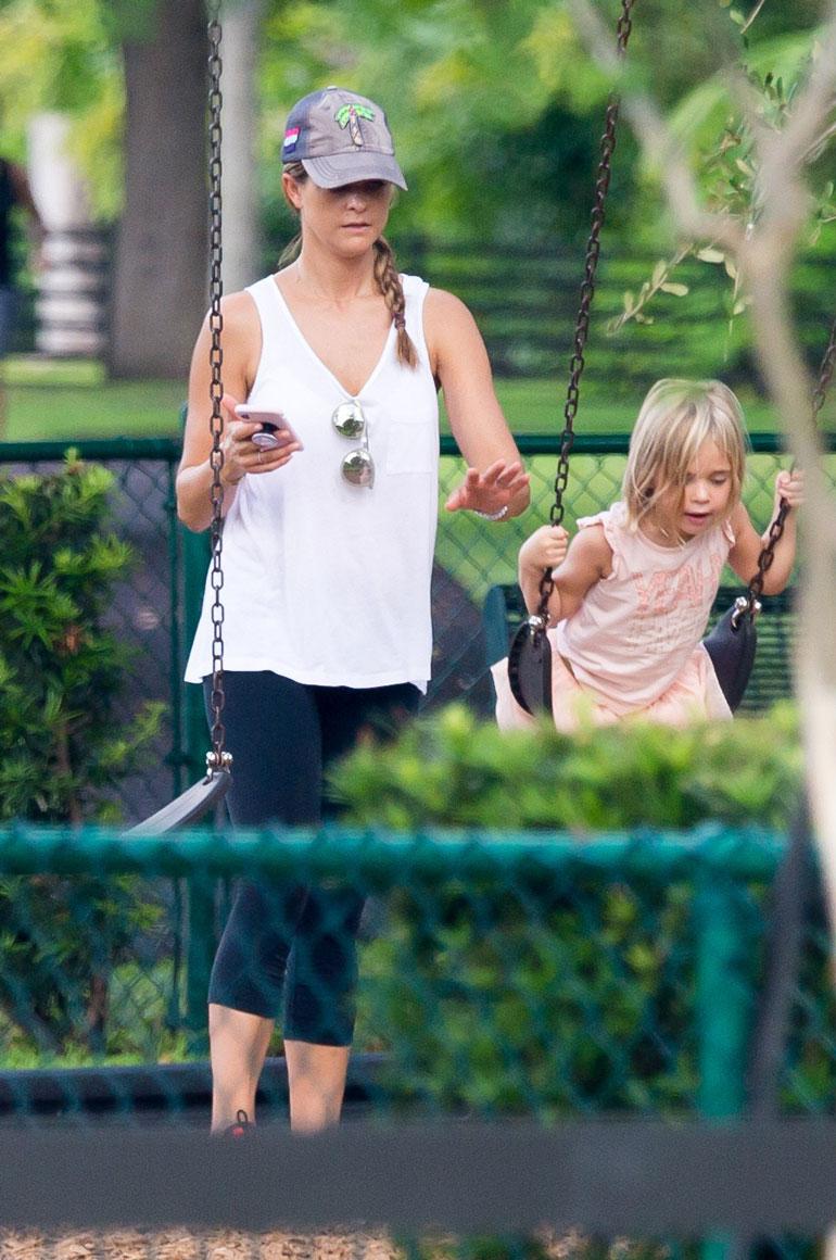 Prinsessa Madeleine iloitsee aidosti, että saa viedä lapsensa leikkipuistoon. – Vielä olisi tilaa yhdelle perheenjäsenelle, hän vihjaa.