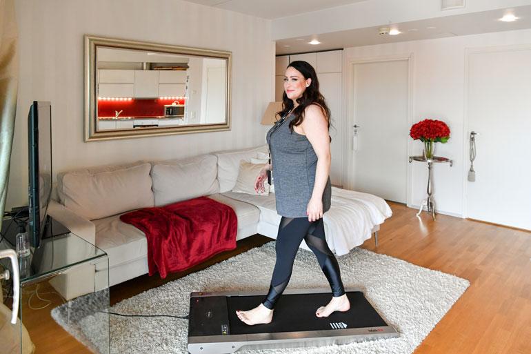 – Olen edelleen dieetillä, sillä minun on tarkoitus pudottaa painoa ensi kesään mennessä 35 kiloa, Niina kertoo.