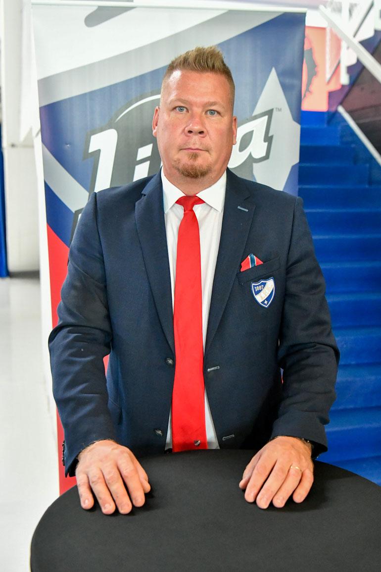 Liigan jättiläisiin lukeutuva HIFK on voittanut Suomen mestaruuden viimeksi keväällä 2011. Seuran faneille siitä on jo pieni ikuisuus.