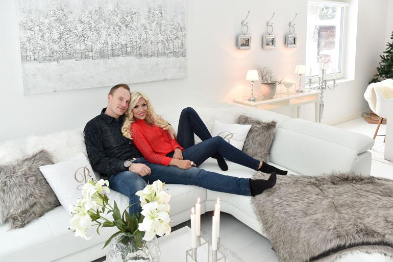 Jari-Matti ja Maisa ovat esitelleet kotiaan myös Seiskalle. Tulevaisuus näyttää, mahtuvatko he vielä samalle sohvalle.