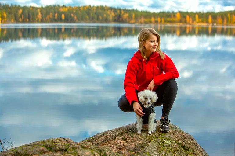 Janni Hussi on iän myötä oppinut rauhoittumaan. – Kesällä tajusin, että olen koko ajan kohkannut pää kolmantena jalkana mutta ilman mitään selkeää suuntaa.