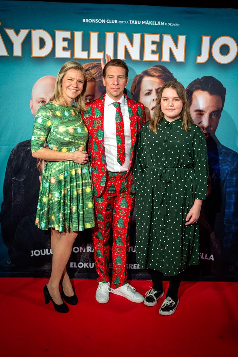 Aku Hirviniemi, Sonja Kailassaari ja Annikki-tytär.