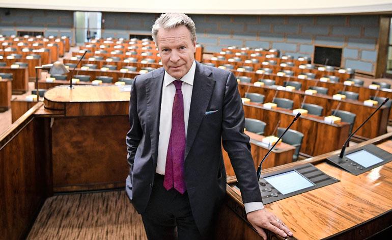 Ilkka Kanerva on ollut kansanedustaja vuodesta 1975 alkaen.