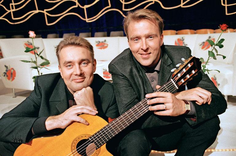 Tyylinäyte joulukuulta 1999, jolloin Timon Tuttu juttu -ankkuriparina oli vielä Joel Hallikainen.