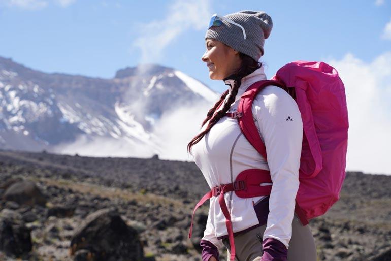 Tämä kuva on kesäkuulta Kilimanjarolta, mutta pian Elina suuntaa Himalajalle vaaralliselle Annapurna I -vuorelle. – Soitan viimeiset puheluni vanhemmilleni ennen kuin lähden.