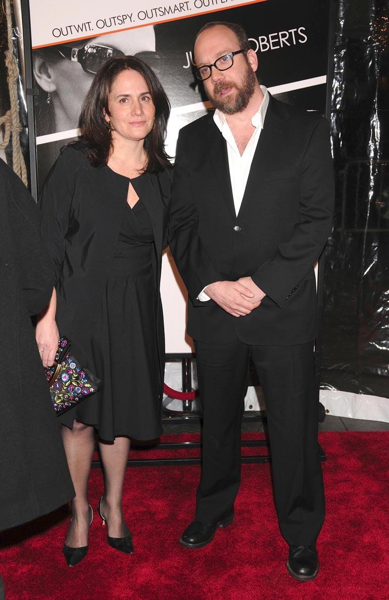 Paul oli aiemmin naimisissa ohjaaja-tuottaja Elizabeth Cohenin kanssa ja heillä on aikuinen poika.