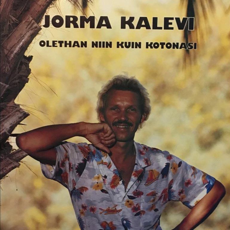 Laulajanuransa Jorma Kalevi aloitti jo 1967. Levyjä ja sinkkuja on ilmestynyt 17. Hän sai Sisu-palkinnon elämäntyöstään 2017.