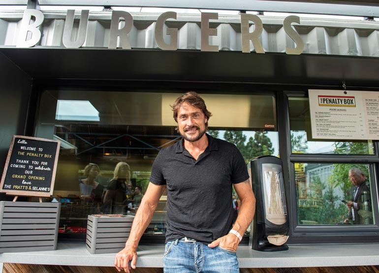 Teemu omistaa uuden purilaispaikan lisäksi suositun Steak Tavern -pihviravintolan.