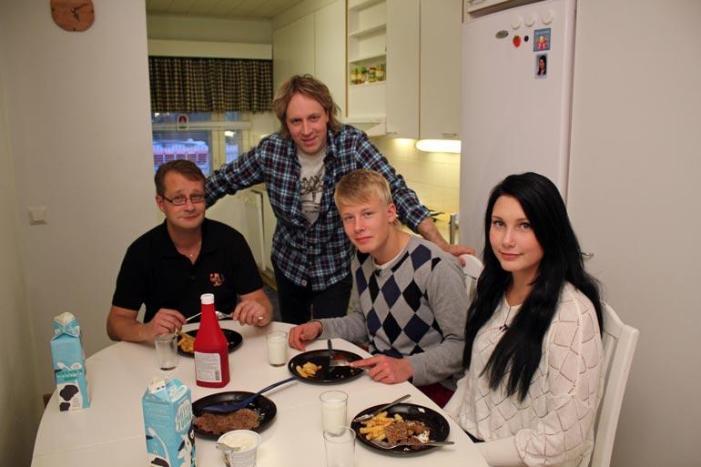 Kari Aihisen luotsaamaa Kaappausta keittiössä on kuvattu kuusi tuotantokautta. – Takana on 240 kuvauspäivää. Se on vienyt puolet vuodesta.