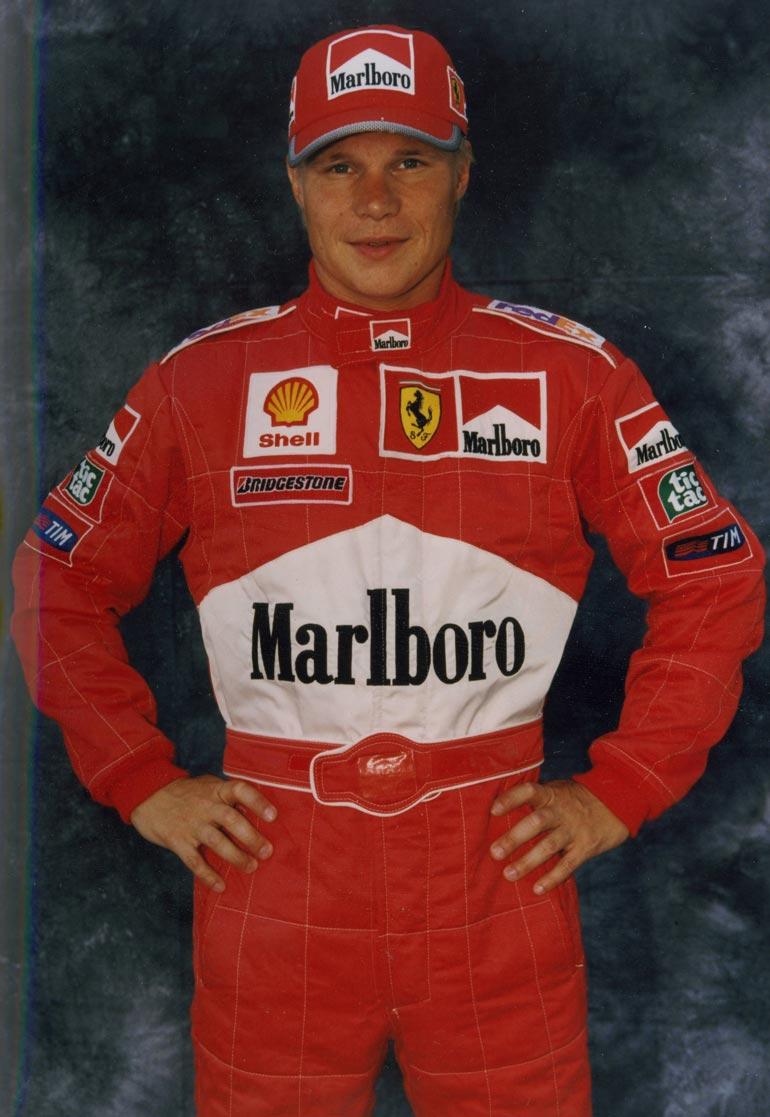 Mika sai elämänsä tilaisuuden 1999 päästyään Schumacherin tuuraajaksi. – Tunnen Michaelin karting-ajoista lähtien. Hänen onnettomuutensa jälkeen en ole häntä tavannut, eikä ole moni muukaan.