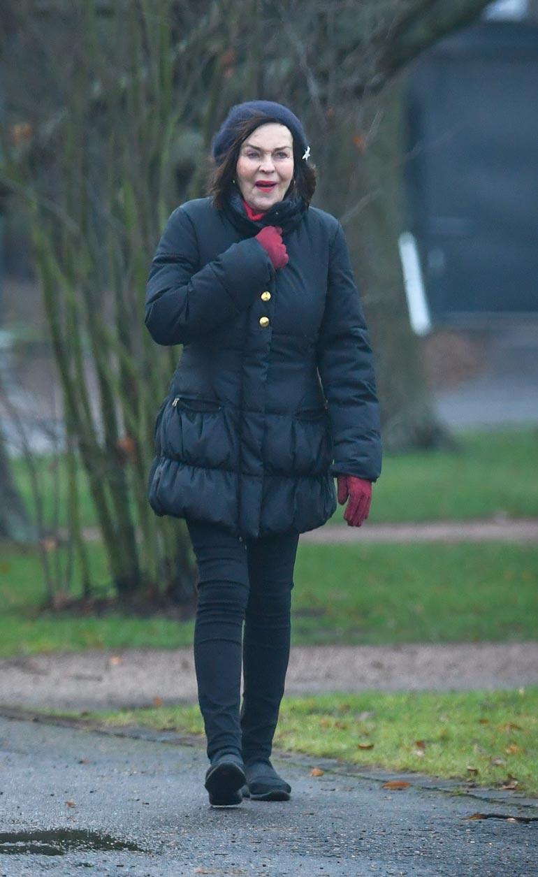 Paula teki koiransa kanssa kilometrien mittaisen lenkin ja palkitsi itsensä sen jälkeen pullakahveilla.