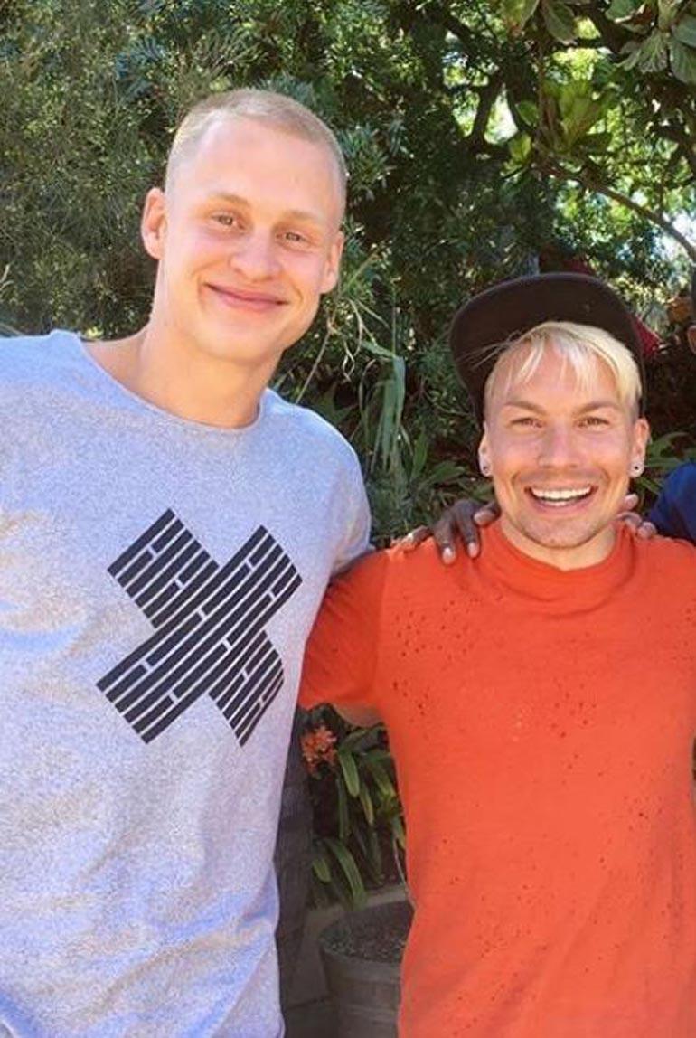 Antti Tuisku on bilettänyt Sasun kanssa Espanjassa. – Juhlin harvoin, Sasu kertoo.