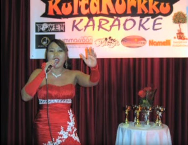 Tosi-tv:n lisäksi Helena on menestynyt myös Kultakurkku-karaokekisassa.