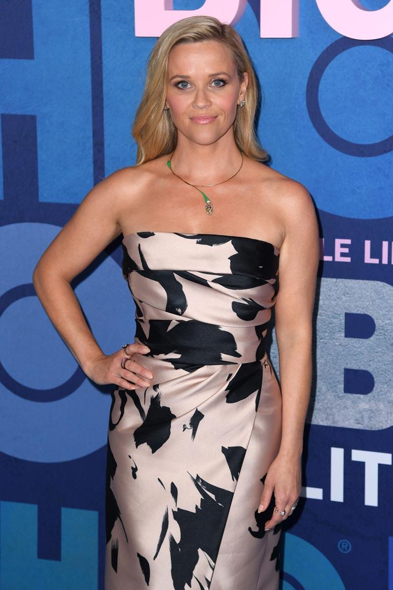 Reese Wither- spoon luottaa ystävänsä Jenniferin esimerkkiin.