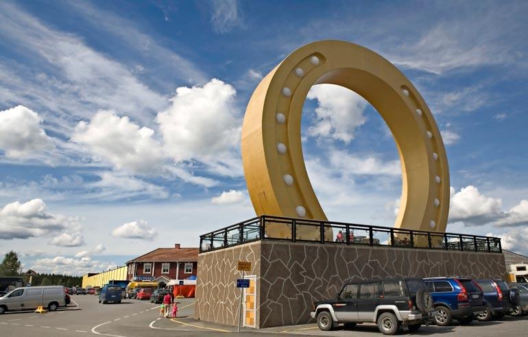 Kyläkaupan tiluksia kehitetään parhaillaan. Hotelli Onnentähden laajennuksen lisäksi Vesa parantaa Tuuria erityisesti matkakohteena.