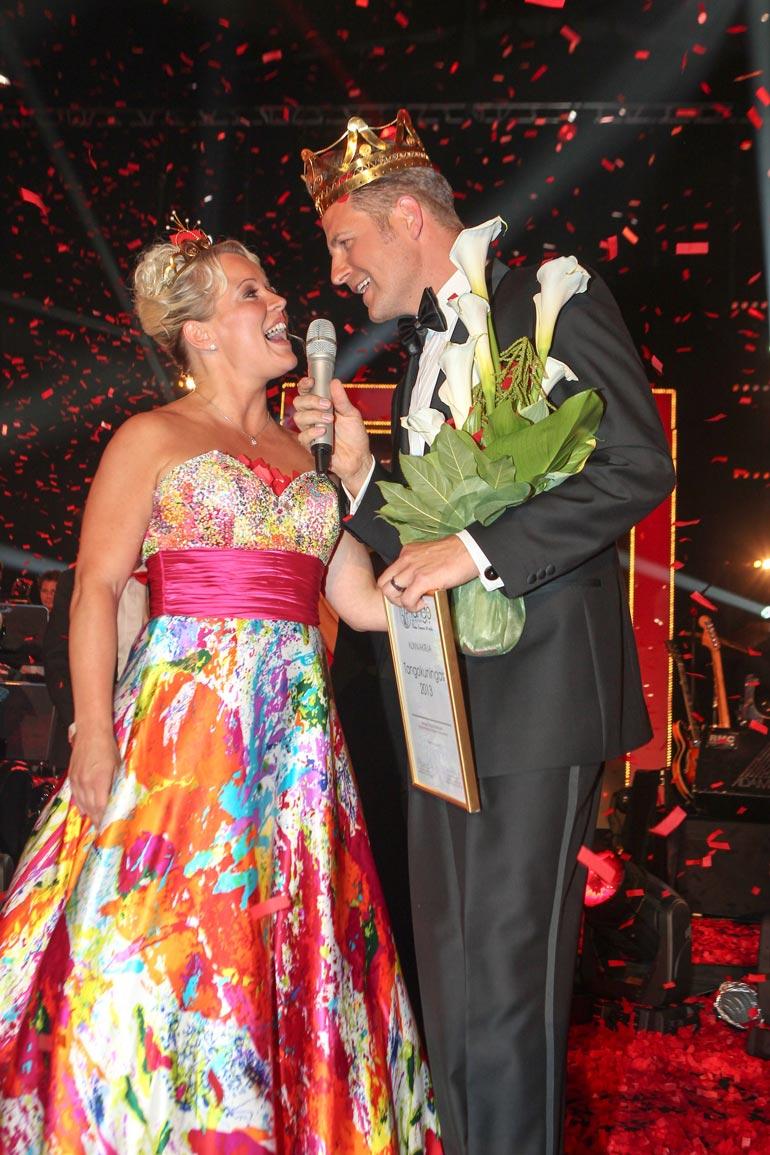 Heidi valittiin tangokuningattareksi vuonna 2013. Tangokuninkaan tittelin sai Kyösti Mäkimattila.
