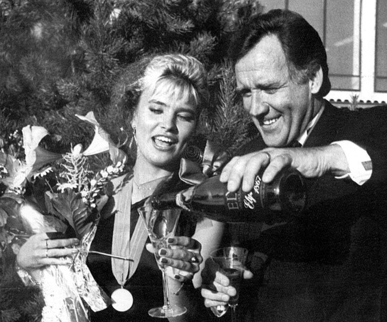 Tänä vuonna tuli kuluneeksi 30 vuotta Arjan tangokuningatar-voitosta.  Kuvassa myös tangokuningas 1989 Risto Nevala. – Taival on ollut värikäs ja ihana. Toivottavasti seuraavat 30 vuotta eivät mene yhtä nopeasti.
