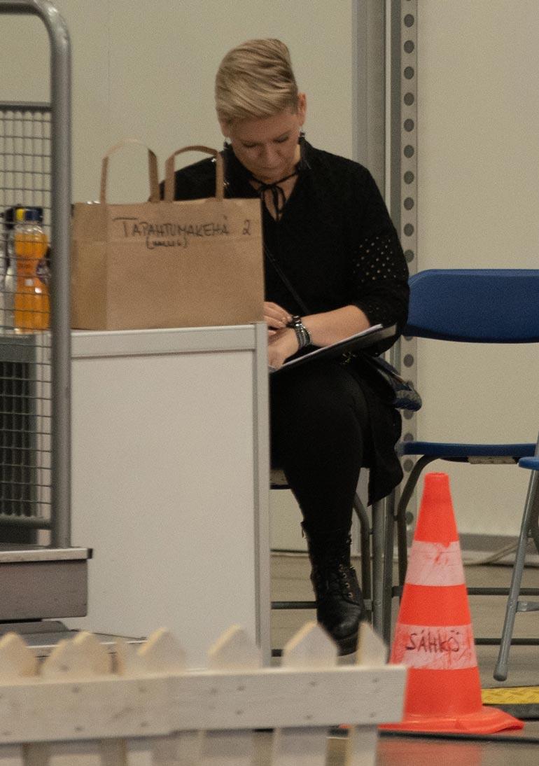 Heidi Sohlberg koiramessuilla.