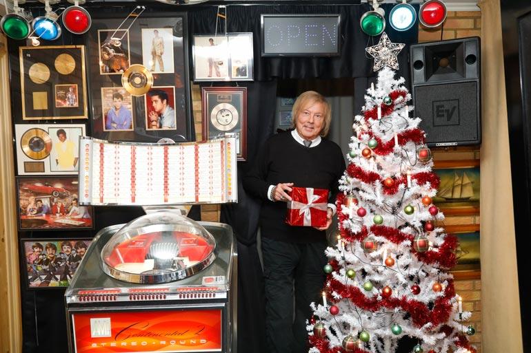 Tältä näyttää Dannyn kotona Kirkkonummella. Joulun musiikkineuvos viettää tyttärensä luona Luxemburgissa. – Olen äärettömän kiitollinen siitä, että saan olla terve ja vielä elämässä mukana.