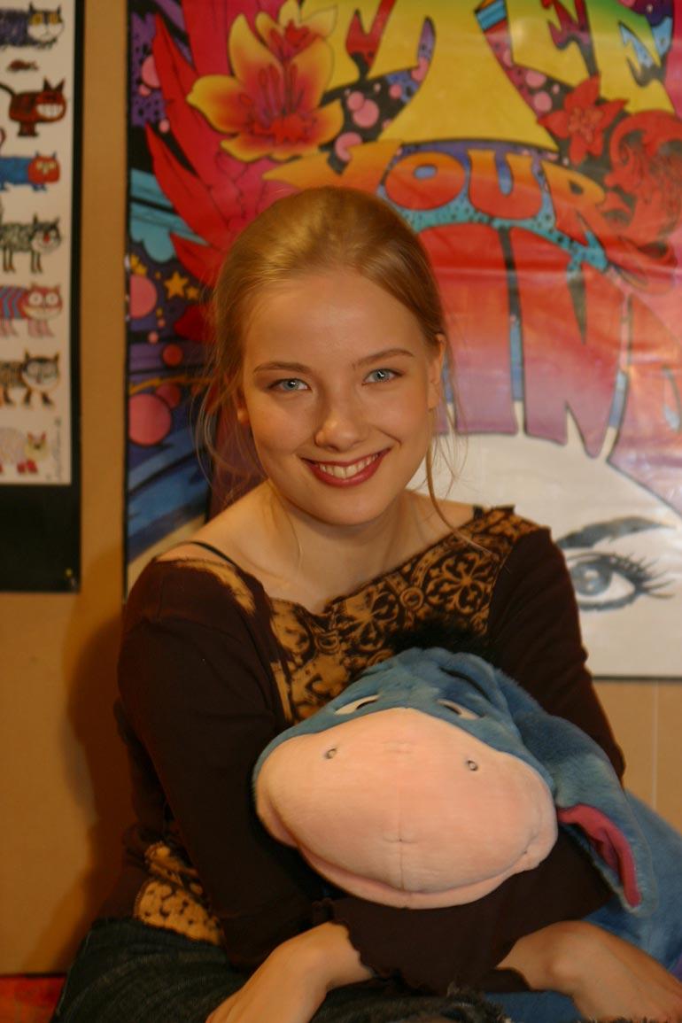 Henna tuli tutuksi Salatut elämät -sarjasta. Kuva vuodelta 2002.
