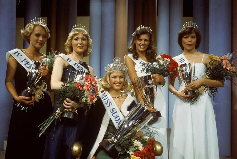Riita jäi Miss Suomi 1976 -kisassa yllättäen toiseksi, kun Suvi Lukkarinen kruunattiin voittajaksi. Toinen perintöprinsessa oli Maarit Leso.