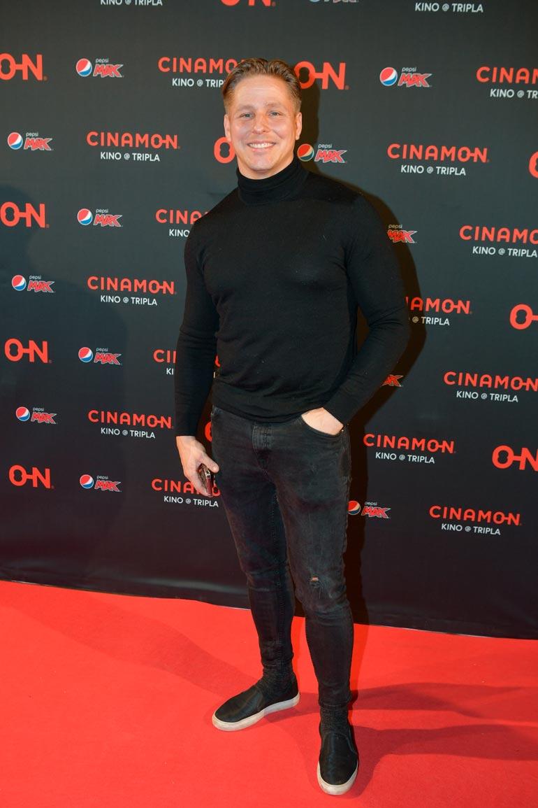 Markus Pöyhönen edusti Star Wars: The Rise of Skywalker -elokuvan kutsuvierasensi-illassa elokuvateatteri Cinamon Triplassa.