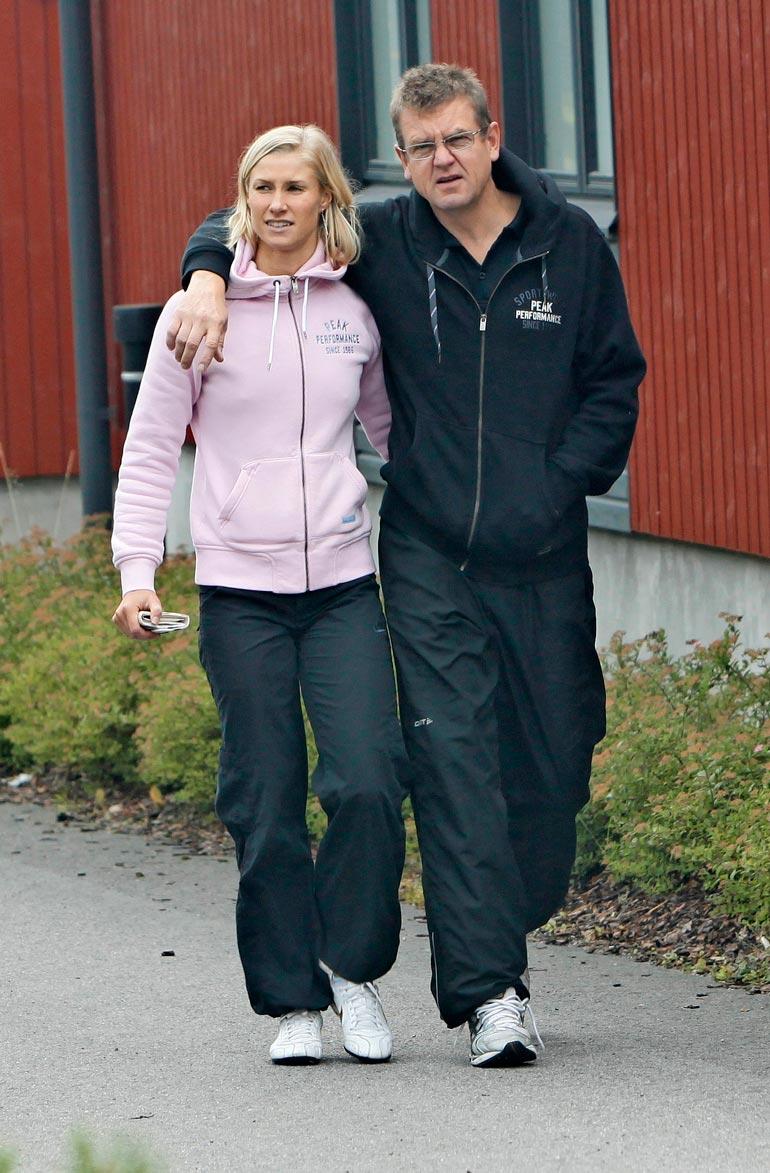 Hanna-Mariasta tuli vuonna 2003 ensimmäinen suomalainen uinnin maailmanmestaruuden voittanut nainen. Anssi Hintsan kanssa hän on ollut naimisissa kohta kaksi vuotta.