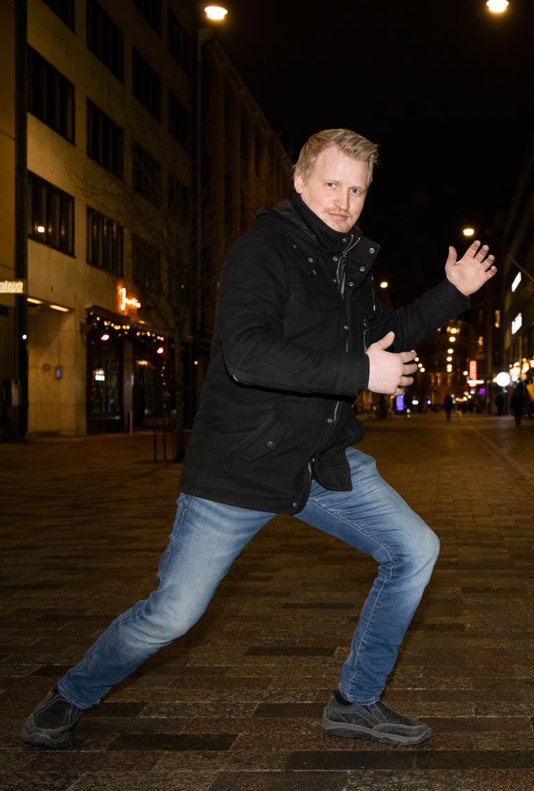 Tanssiminen on Timo Kangastien rakas harrastus. Hän käy lavoilla useita kertoja viikossa. – Tanssin epävirallisena suurlähettiläänä haluan edistää tanssikulttuuria Suomessa.
