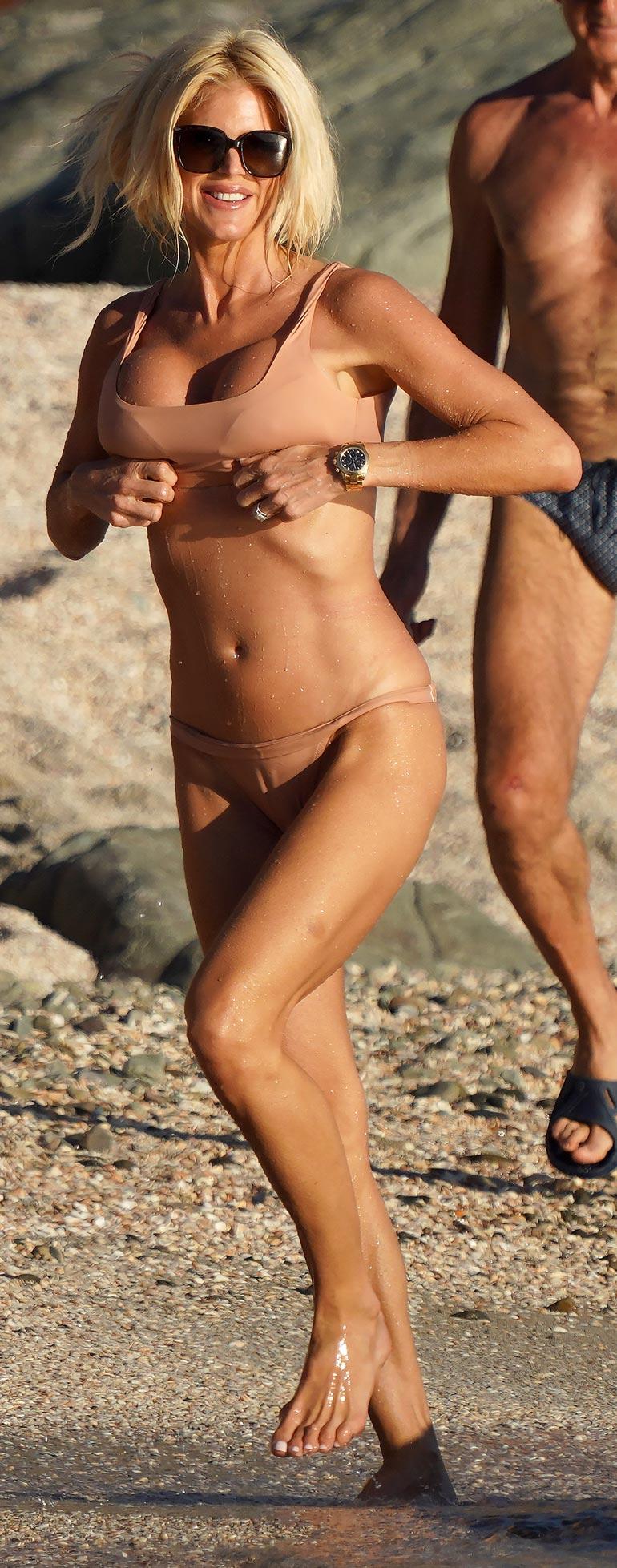 Hetken hiekkoja rapsuteltuaan Victoria otti muutaman metrin ripeän spurtin...