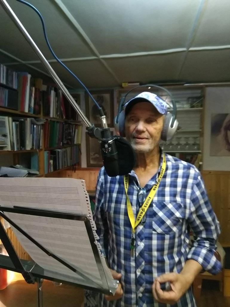 Jorma äänitti juuri studiossa Cuba Libre -kappaleen.