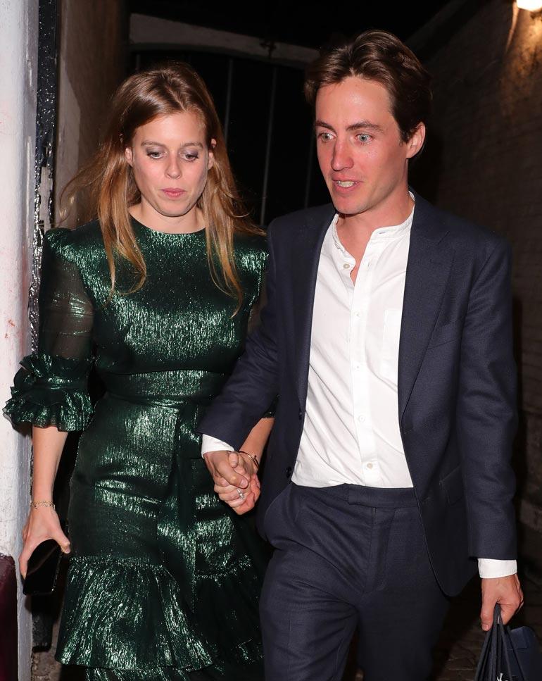 Prinsessa Beatrice avioituu Edoardo Mozzin kanssa.