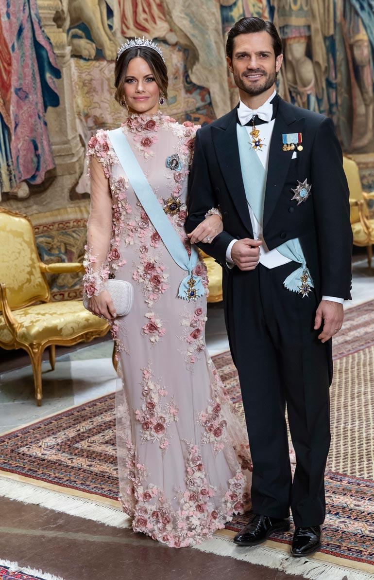 Sofia ja Carl Philip ovat tehneet paljon työtä, jotta Sofiakin hyväksytään hoviin. Nyt prinsessa onkin kuningashuoneen suunnannäyttäjä.