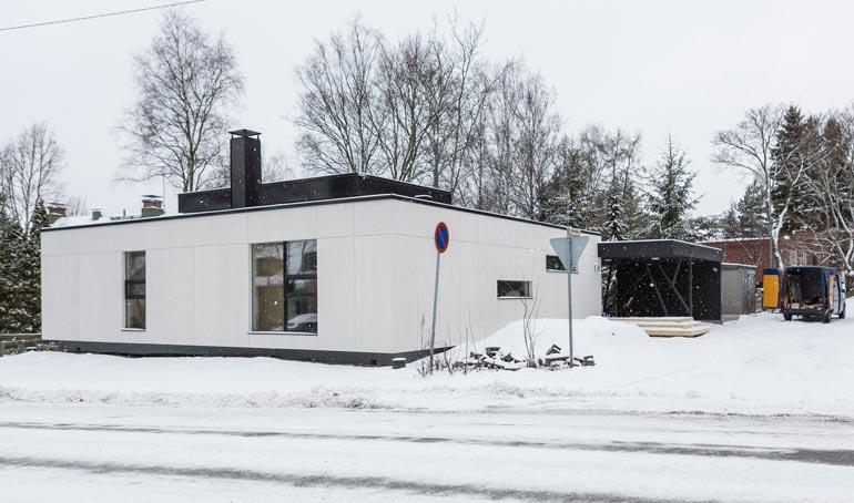 Tältä talo näytti 2017 ilman huputusta.