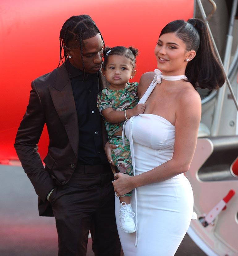Kardashianin klaanin nuorin on naimisissa räppäri Travis Scottin kanssa. Heidän tyttärensä Stormi on nyt kaksivuotias.