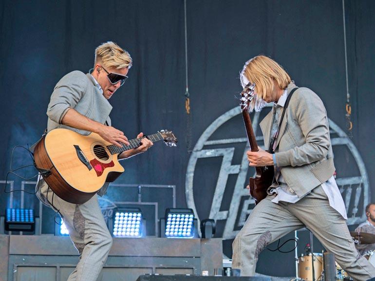 Haloo Helsinki! -kitaristit Jere Marttila ja Leo Hakanen ovat muodostaneet myös elektroduo Stereon.