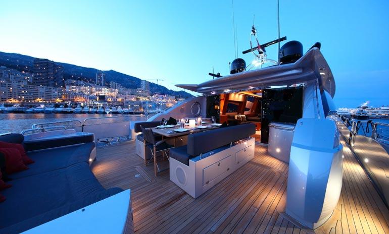 Superjahdin myynti-ilmoitus ehdittiin jo kertaalleen poistaa monacolaisen KK Super-yachts -firman sivuilta, mutta nyt paatti on taas kaupan.