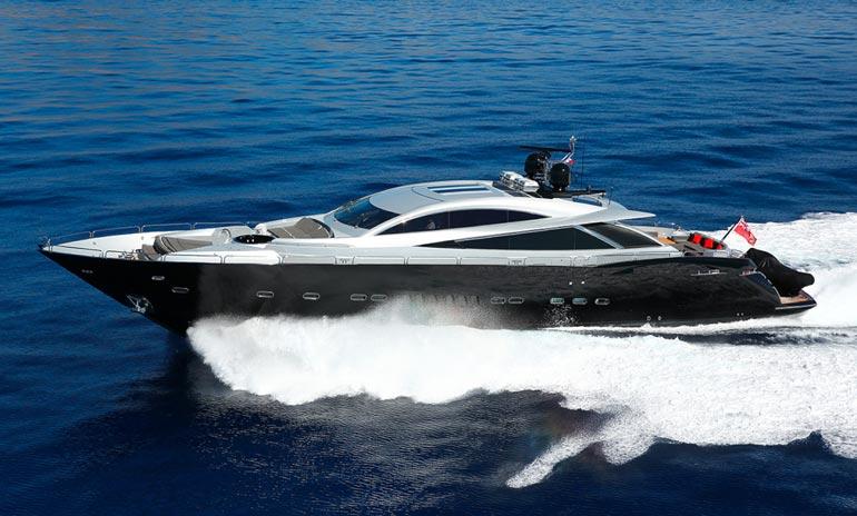 F1-tähti Kimi Räikkösen myynnissä olevan Iceman Sunseeker Predator 108 -merialuksen pituus on 32,9 metriä, leveys 6,3 metriä ja syväys 2,0 metriä.