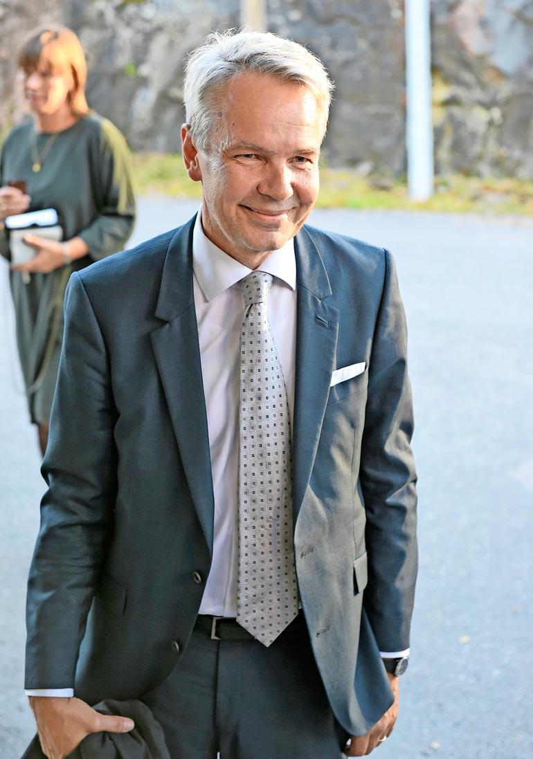 Ulkoministeri Pekka Haavisto on kansanedustaja, puolueensa entinen puheenjohtaja ja oli ehdolla presidentinvaaleissa kaksi kertaa.
