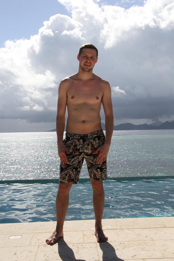 BB-Jukka saapui Ex on the Beach Suomi villaan.