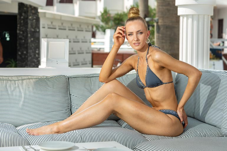 Hallitseva Miss Suomi Anni Harjunpää pääsee epidemian takia nauttimaan kokonaisesta missivuodesta.