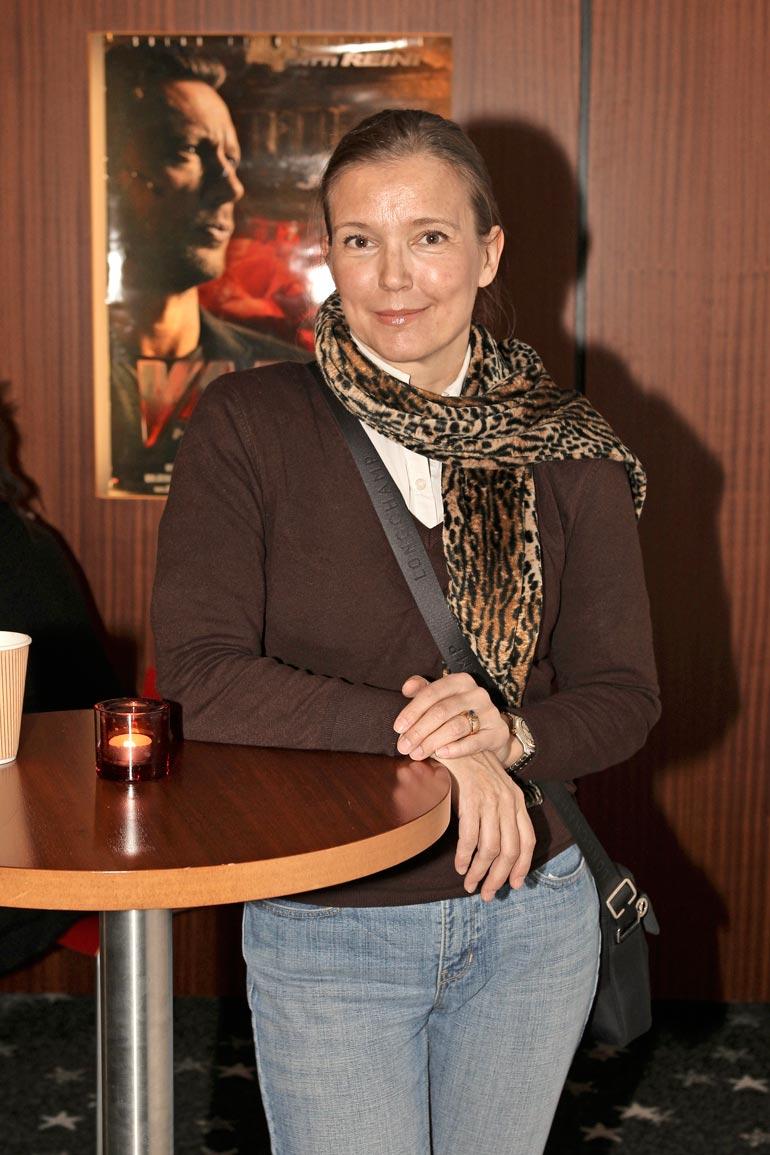 Riverin Riitta-äiti on toiminut mallina ja esiintynyt muutamassa elokuvassakin.