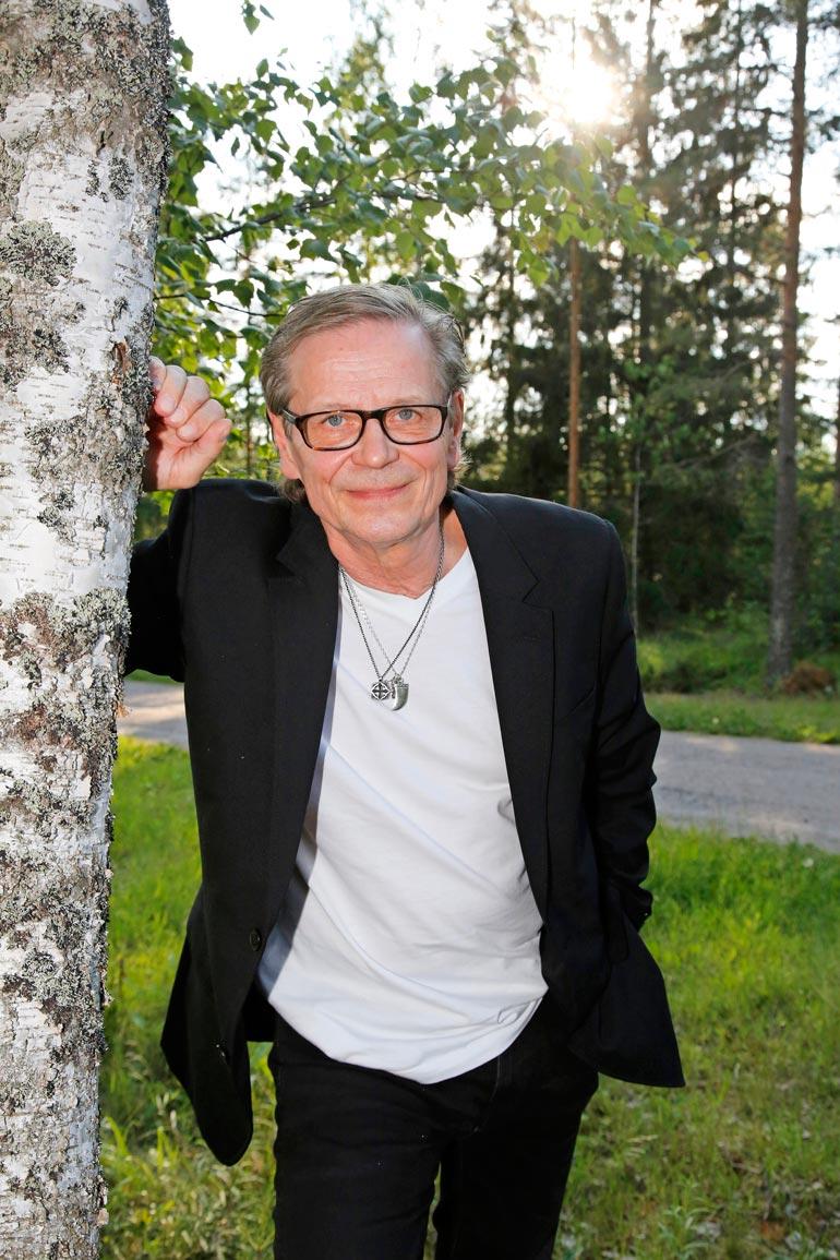 Nykyisellä Warner Musicilla, silloisella Finnlevyllä oli kuuluisat studiot Helsingin Pitäjänmäessä. – Näin jälkikäteen ajatellen se tuotantopuoli oli aika Helsinki-keskeistä.